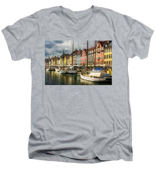 Nyhavn Men's V-Neck T-Shirt