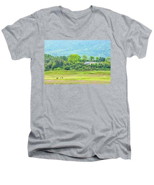 Rural Scenery In Spring Men's V-Neck T-Shirt