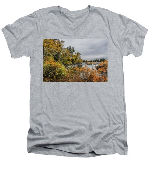 Snake River Greenbelt Walk In Autumn Men's V-Neck T-Shirt by Yeates Photography