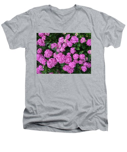 Spring Explosion Men's V-Neck T-Shirt