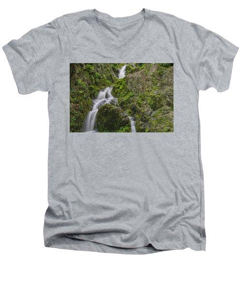Left Or Right Men's V-Neck T-Shirt
