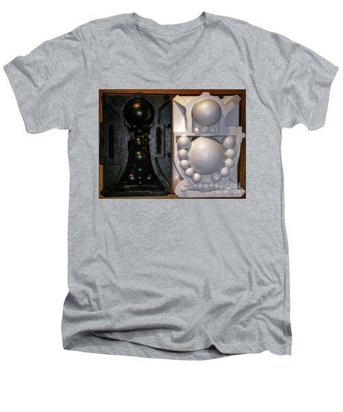 Willendorf Wedding Men's V-Neck T-Shirt