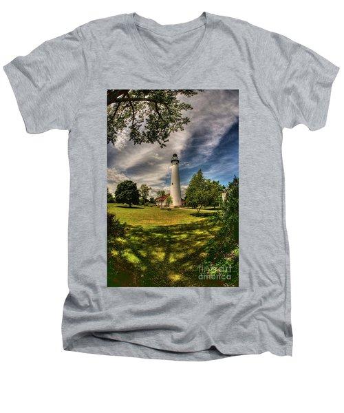 Wind Point Lighthouse Men's V-Neck T-Shirt