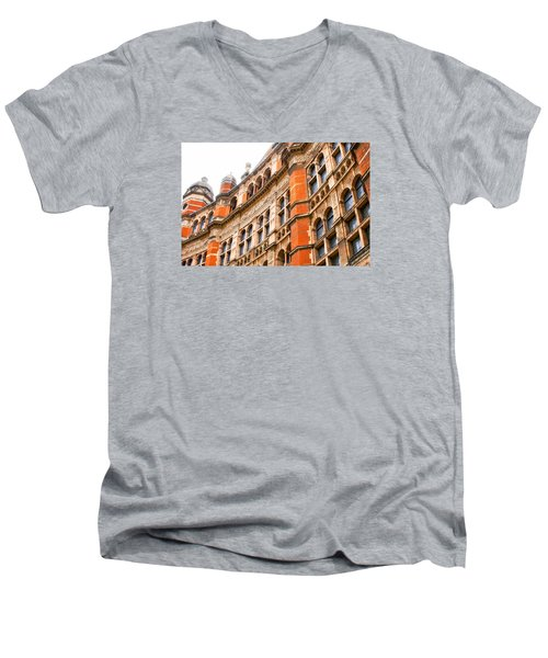London Building Men's V-Neck T-Shirt
