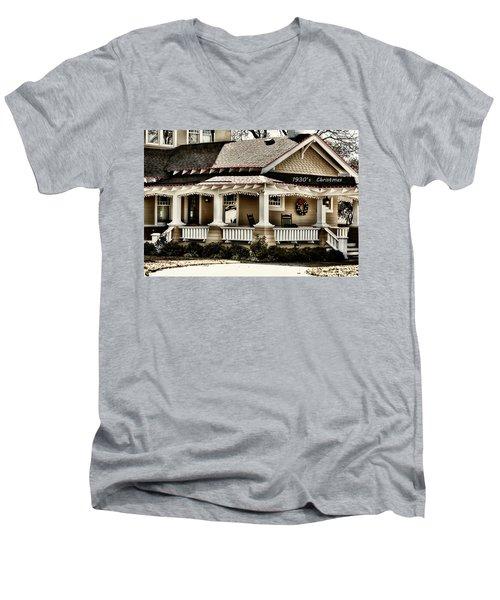 1930's Christmas Men's V-Neck T-Shirt