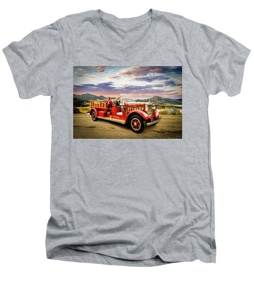 1931 Mack Ready To Roll Men's V-Neck T-Shirt