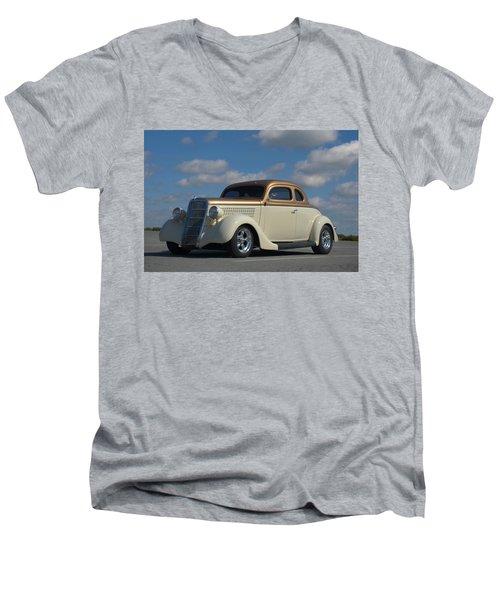 1935 Ford Coupe Hot Rod Men's V-Neck T-Shirt