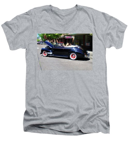 1941  Chevrolet Convertable Men's V-Neck T-Shirt