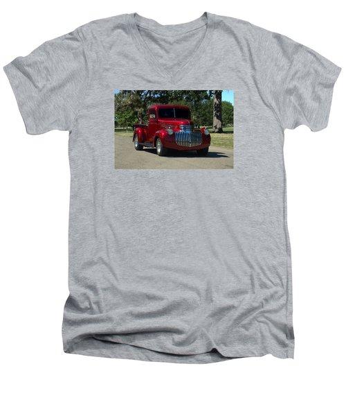 1946 Chevrolet Pickup Truck Men's V-Neck T-Shirt