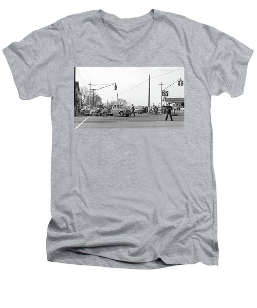 1957 Car Accident Men's V-Neck T-Shirt