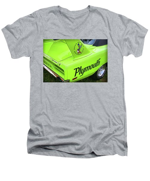 1970 Plymouth Superbird Men's V-Neck T-Shirt