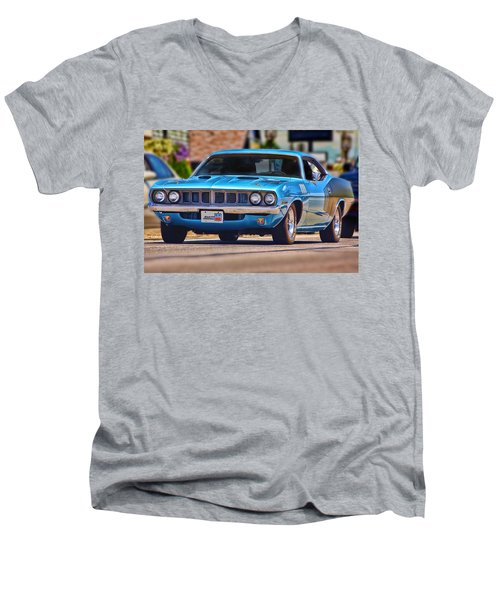 1971 Plymouth 'cuda 383 Men's V-Neck T-Shirt