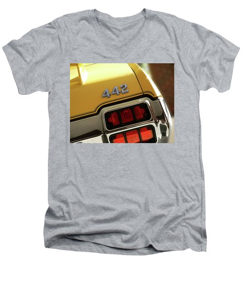 1972 Oldsmobile Cutlass 4-4-2 Men's V-Neck T-Shirt