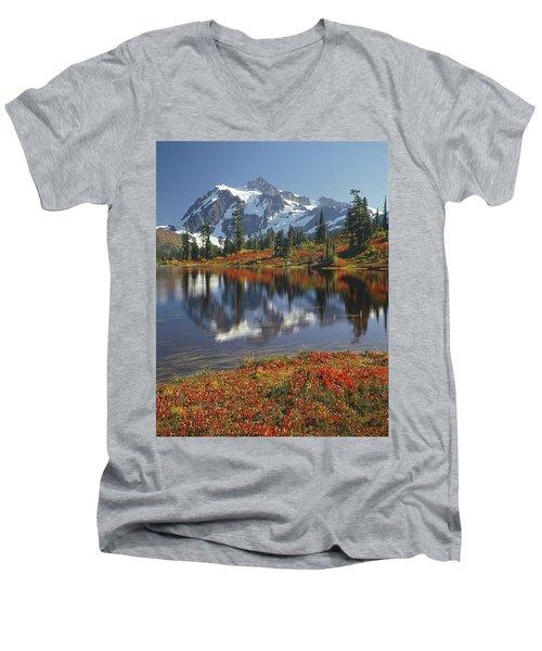 1m4208 Mt. Shuksan And Picture Lake Men's V-Neck T-Shirt
