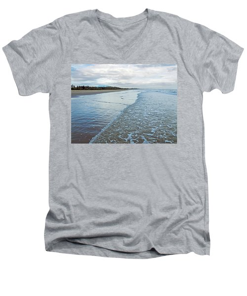 Binh Hai Beach, Quang Ngai Men's V-Neck T-Shirt