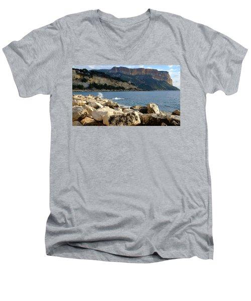 Cap Canaille Cassis Men's V-Neck T-Shirt