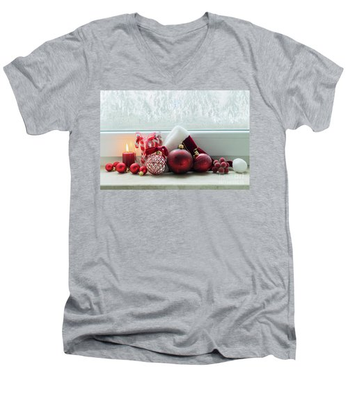 Christmas Windowsill Men's V-Neck T-Shirt