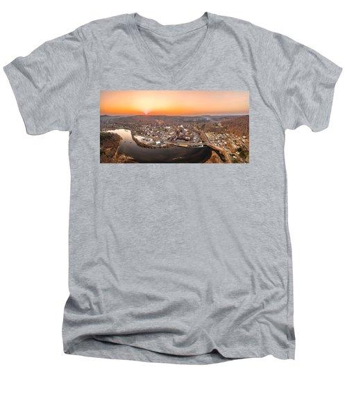 Colinsville, Connecticut Sunrise Panorama Men's V-Neck T-Shirt