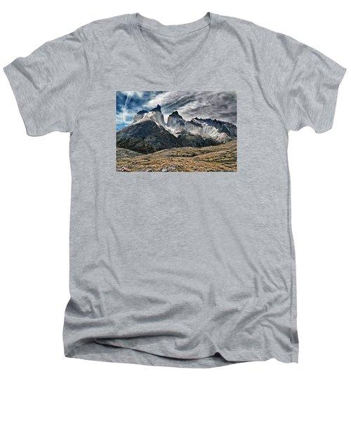 Cuernos Del Paine Men's V-Neck T-Shirt by Alan Toepfer