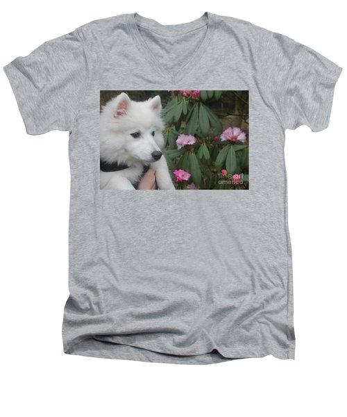 Daisy Men's V-Neck T-Shirt