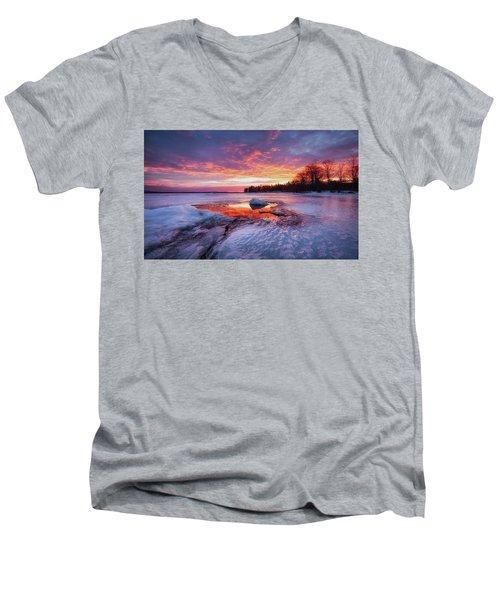 Lake Winnipesaukee Men's V-Neck T-Shirt