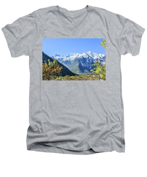 The Plateau Scenery Men's V-Neck T-Shirt