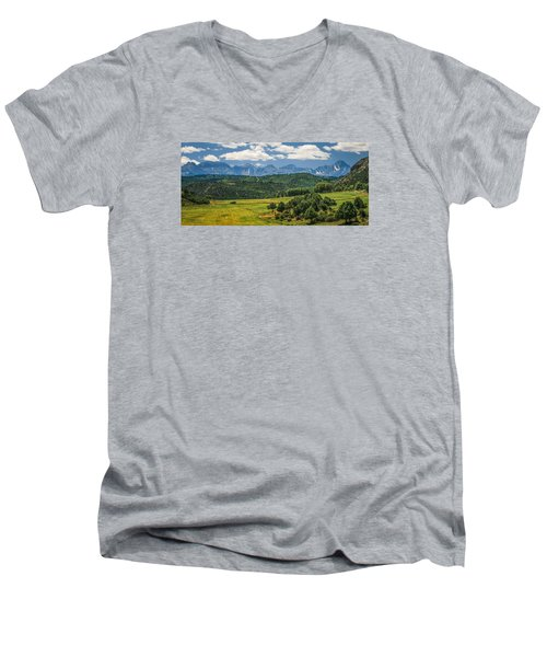 #2918 - Sneffles Range, Colorado Men's V-Neck T-Shirt