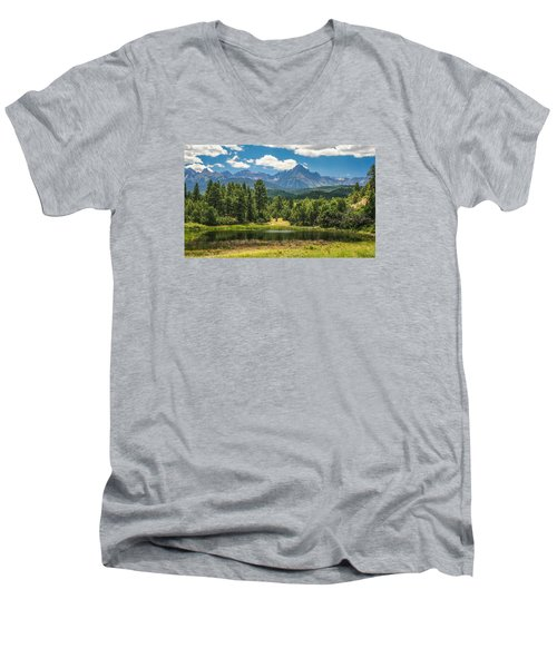 #2933 - Sneffles Range, Colorado Men's V-Neck T-Shirt