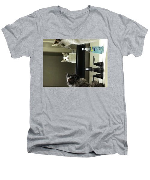 Boyz Men's V-Neck T-Shirt