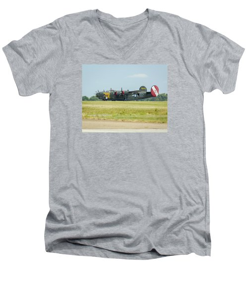 Consolidated B-24j Liberator Men's V-Neck T-Shirt
