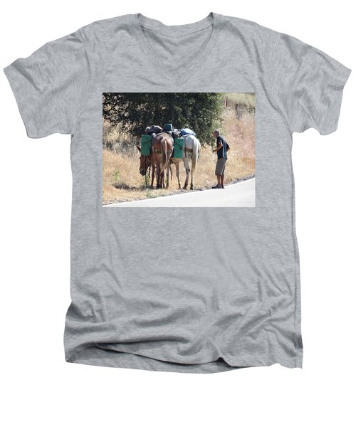 3 Mules Men's V-Neck T-Shirt