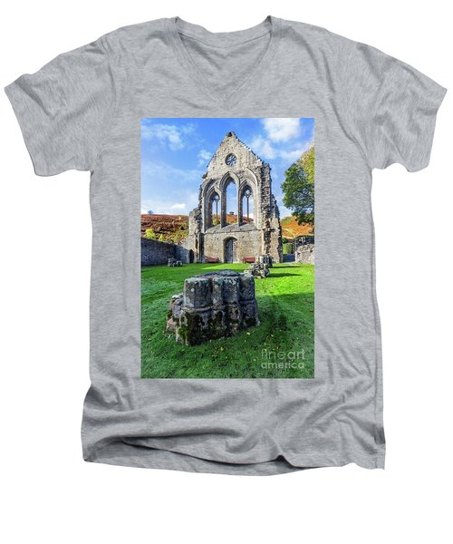 Valle Crucis Abbey Men's V-Neck T-Shirt