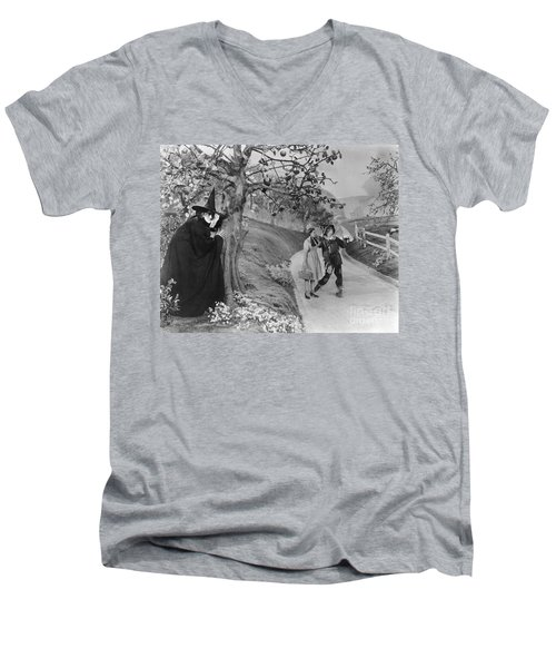 Wizard Of Oz, 1939 Men's V-Neck T-Shirt by Granger