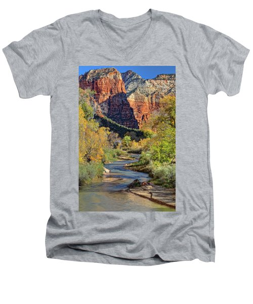 Zion National Park Utah Men's V-Neck T-Shirt