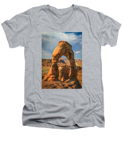 #3057 - Delicate Arch, Utah Men's V-Neck T-Shirt