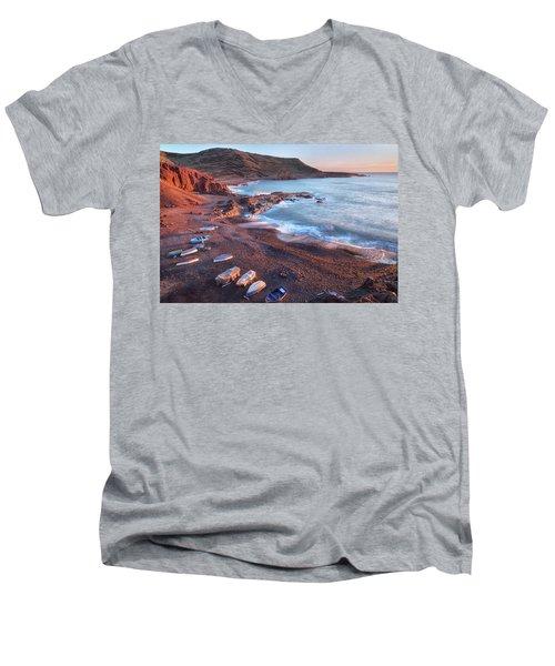 El Golfo - Lanzarote Men's V-Neck T-Shirt