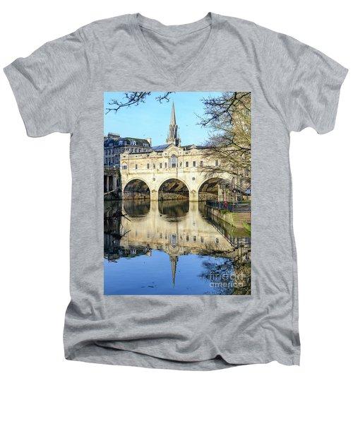 Pulteney Bridge, Bath Men's V-Neck T-Shirt