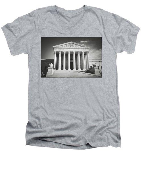 Supreme Court Building Men's V-Neck T-Shirt