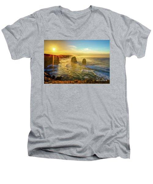 Twelve Apostles Victoria Men's V-Neck T-Shirt