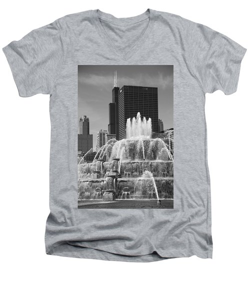 Chicago Skyline And Buckingham Fountain Men's V-Neck T-Shirt