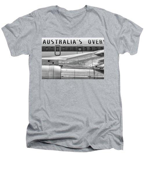 707 Nacelle And Fuselage Men's V-Neck T-Shirt