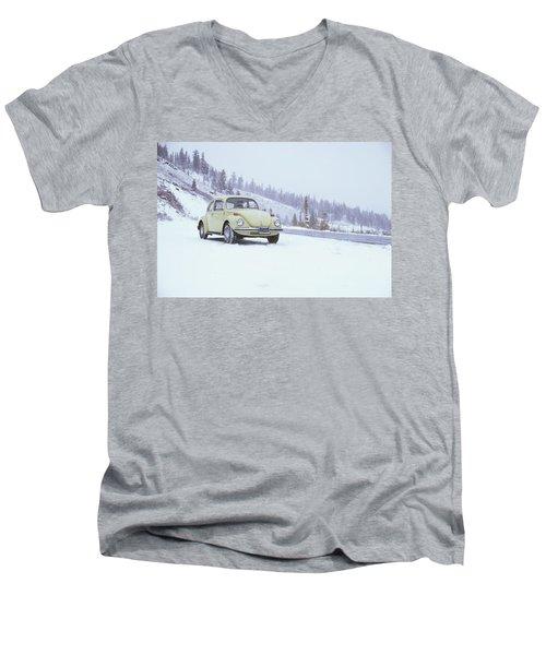71 Vw Bug Men's V-Neck T-Shirt