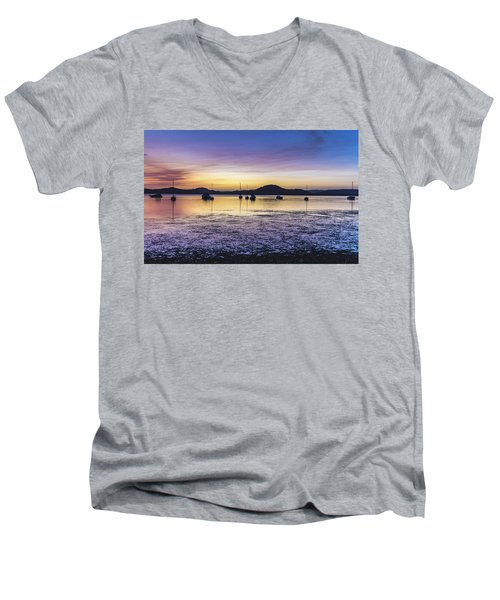 Dawn Waterscape Over The Bay With Boats Men's V-Neck T-Shirt