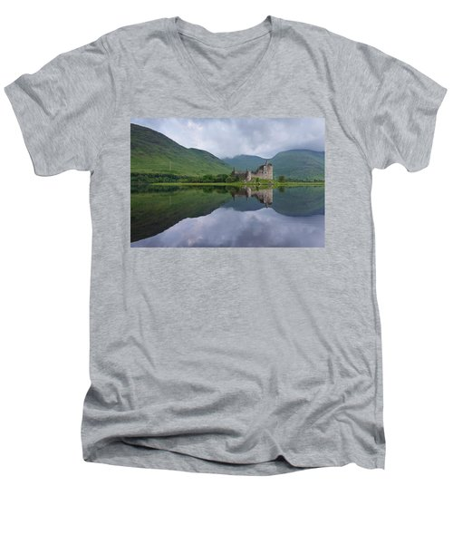 Kilchurn Castle Men's V-Neck T-Shirt
