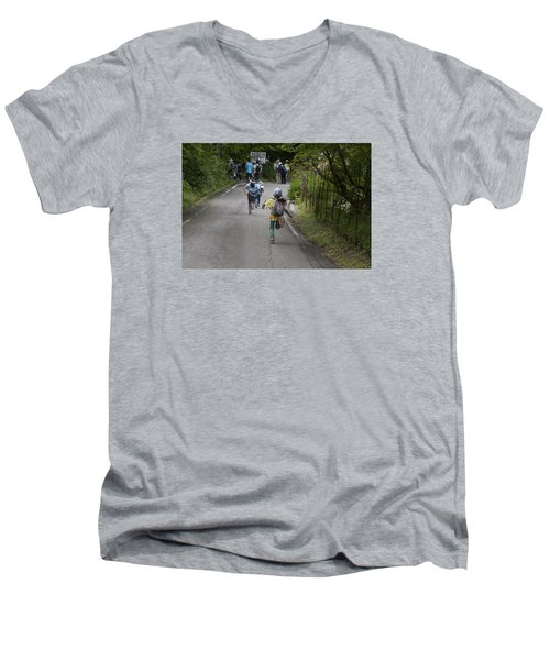 Run Men's V-Neck T-Shirt