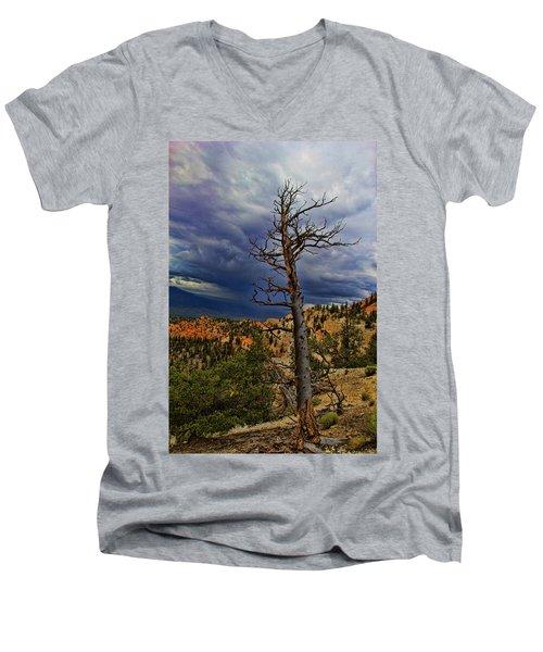 Bryce Canyon National Park Men's V-Neck T-Shirt