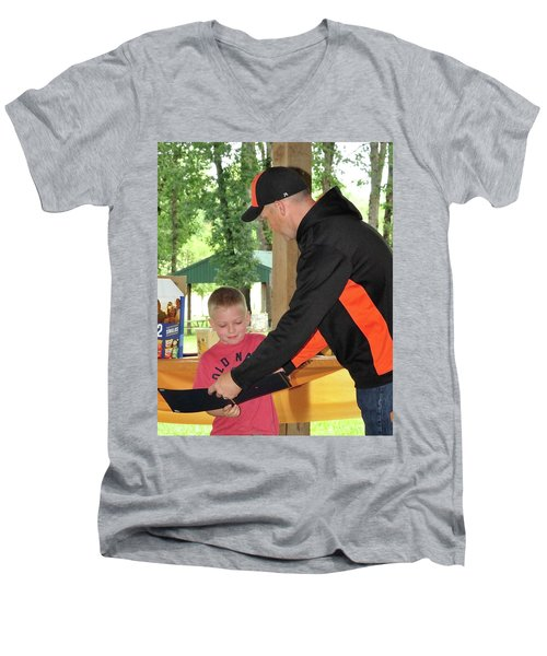 9778 Men's V-Neck T-Shirt