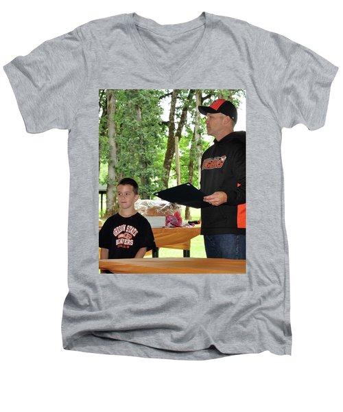 9790 Men's V-Neck T-Shirt