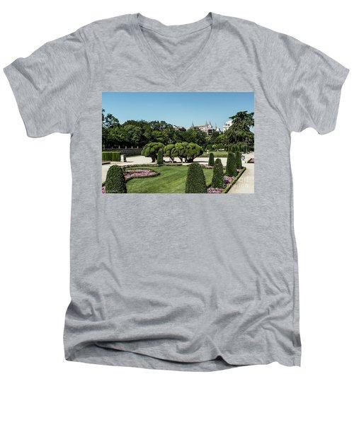 Colorfull El Retiro Park Men's V-Neck T-Shirt