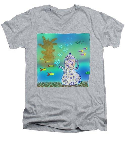 A Fishy Tea Pot Men's V-Neck T-Shirt